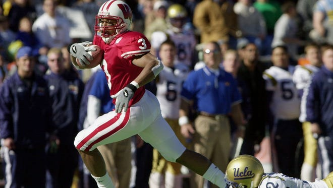 Wide receiver Lee Evans helped Wisconsin to a 21-20 victory over UCLA in the Sun Bowl in 2000, the last time the two teams met.