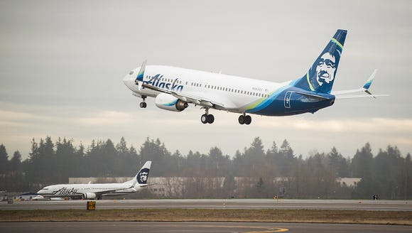 An Alaska Airlines Boeing 737-800 takes of from Seattle-Tacoma