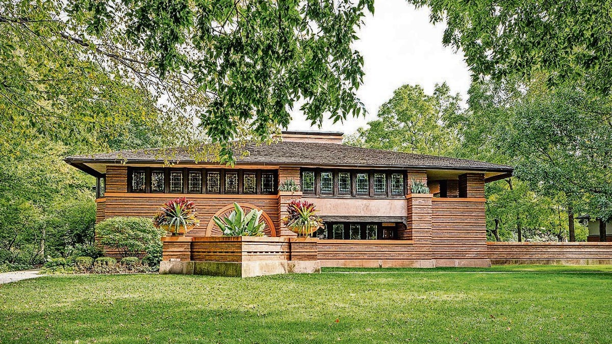 Frank Lloyd Wright architecture is art in Chicago suburb