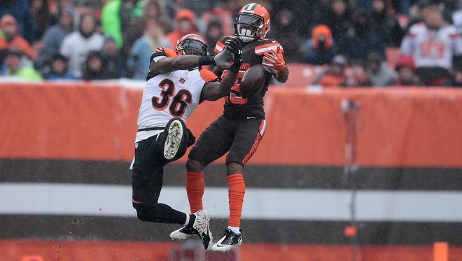 Cincinnati Bengals strong safety Shawn Williams (36) breaks up a pass in the first quarter during the Week 14 NFL game between the Cincinnati Bengals and the Cleveland Browns, Sunday, Dec. 11, 2016, at FirstEnergy Stadium in Cleveland.