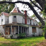 Green Gables house in Melbourne has the green light from the owners to restore the historic house back to it's original state. Green Gables was built in 1896 by William T. Wells one of three Queen Anne influenced houses in south Brevard.
