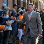 Butch Jones: I blew my knee out before Kentucky game