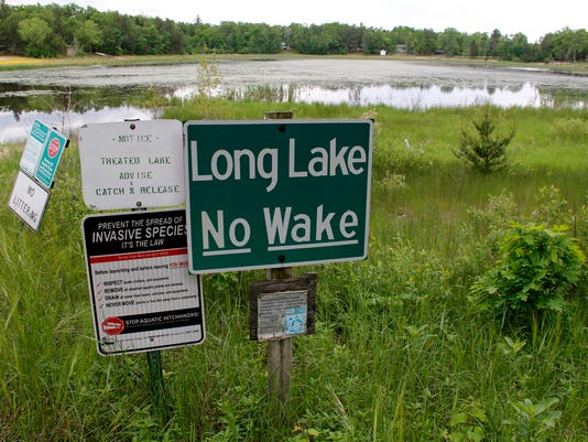 636058383698246733-Long-Lake-no-wake-sign.jpg