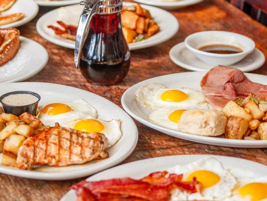 636612206504296886-636402285038399687-Breakfast-Table-43.jpg