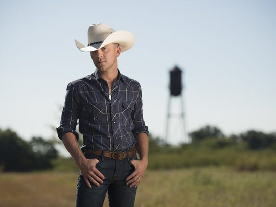 Justin Moore will perform Jan. 12 at Bankers Life Fieldhouse.