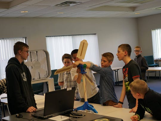 Clark Patterson Lee engineers Dave Chase and Domenic Emilio mentored a group of middle school students in a BOCES challenge.