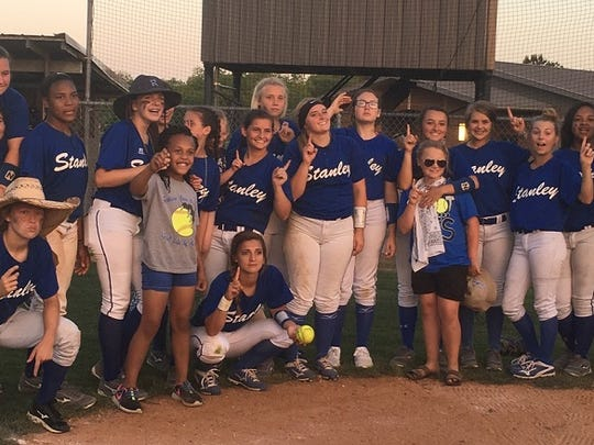 The 2017 Stanley softball team advance to Sulphur with a win over Avoyelles Charter
