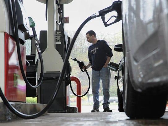 Metro Denver gas prices now average under $2 per gallon