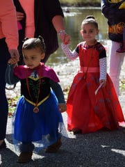 Aryanna Rodriguez-Hawk, 2, and Layla Hawk, 3, both