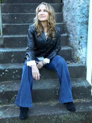 Joan Osborne will cover the music of Bob Dylan when she performs at Roy's Hall in Blairstown tomorrow.  Osborne and her band have created new (and in some cases significantly different) arrangements of songs from throughout Dylan's career.