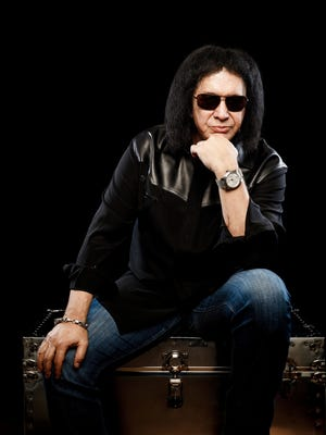 An Australian reporter says KISS singer Gene Simmons repeatedly made sexist comments to her during a conversation in the 1990s, leading her to walk out on an interview for the only time in her career.