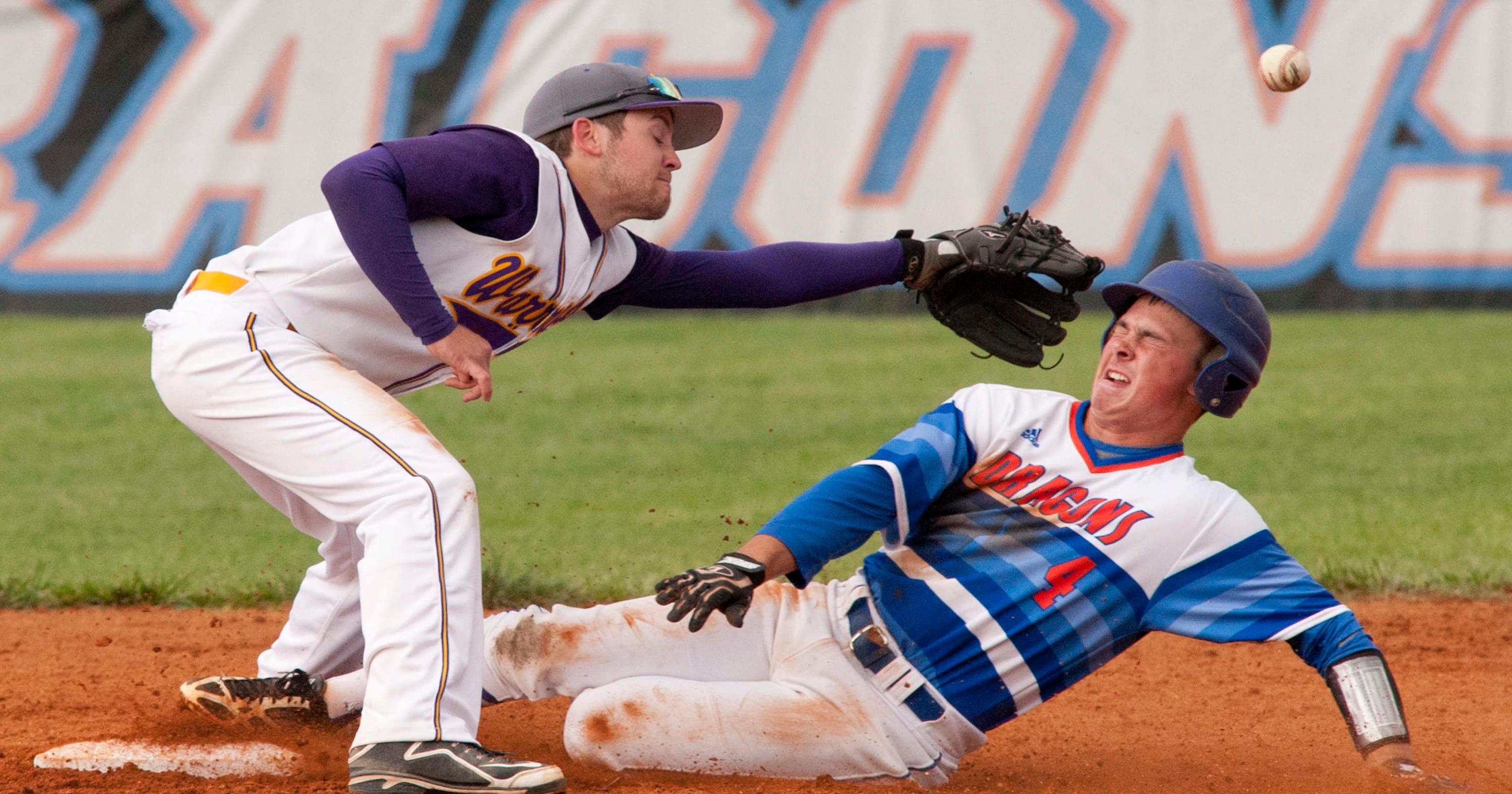 Razer sharp as Silver Creek baseball blanks Scottsburg