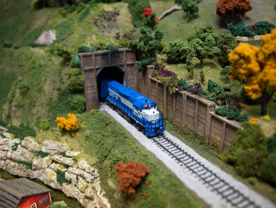 Go to a Model Railroad Thanksgiving Open House: 10