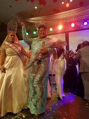 Miss Sasha Leigh Santos, 2016 Miss Queen of the Pacific and Maria Delfina Quinata, current Miss Queen of the Pacific.