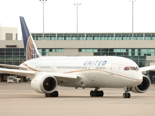 A United Airlines Boeing 787-8 taxies for departure