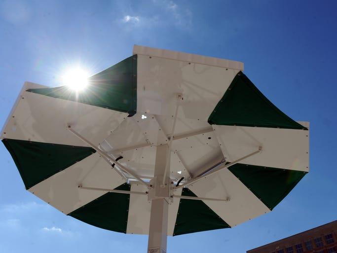Solar Dok Picnic Table