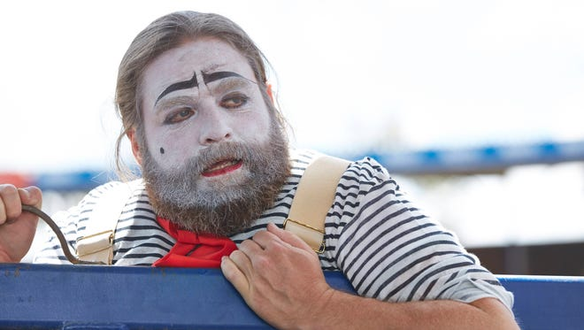 Chip Baskets (Zach Galifianakis) dreams of being a French clown in FX's 'Baskets.'