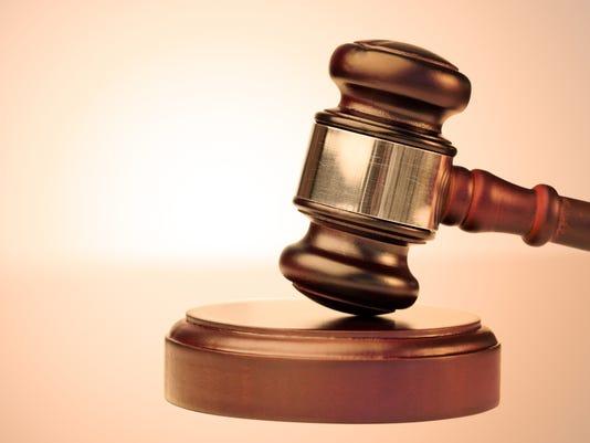 Court gavel 135552386