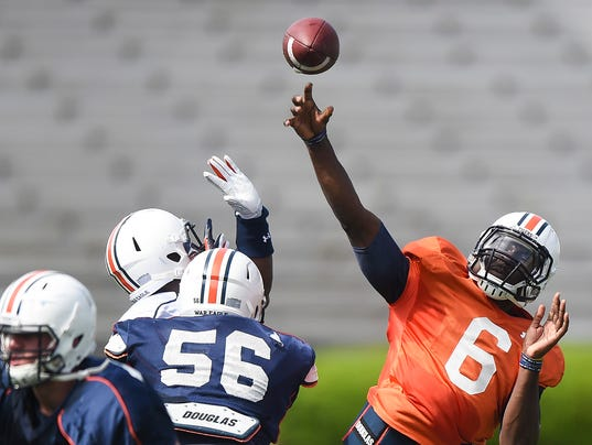 Jeremy Johnson scrimmage 2.jpg