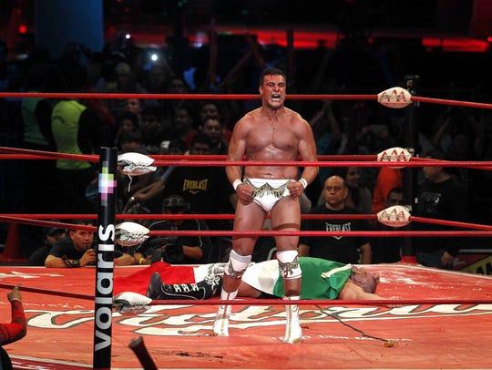 Alberto del Río, un luchador dominante en la WWE.