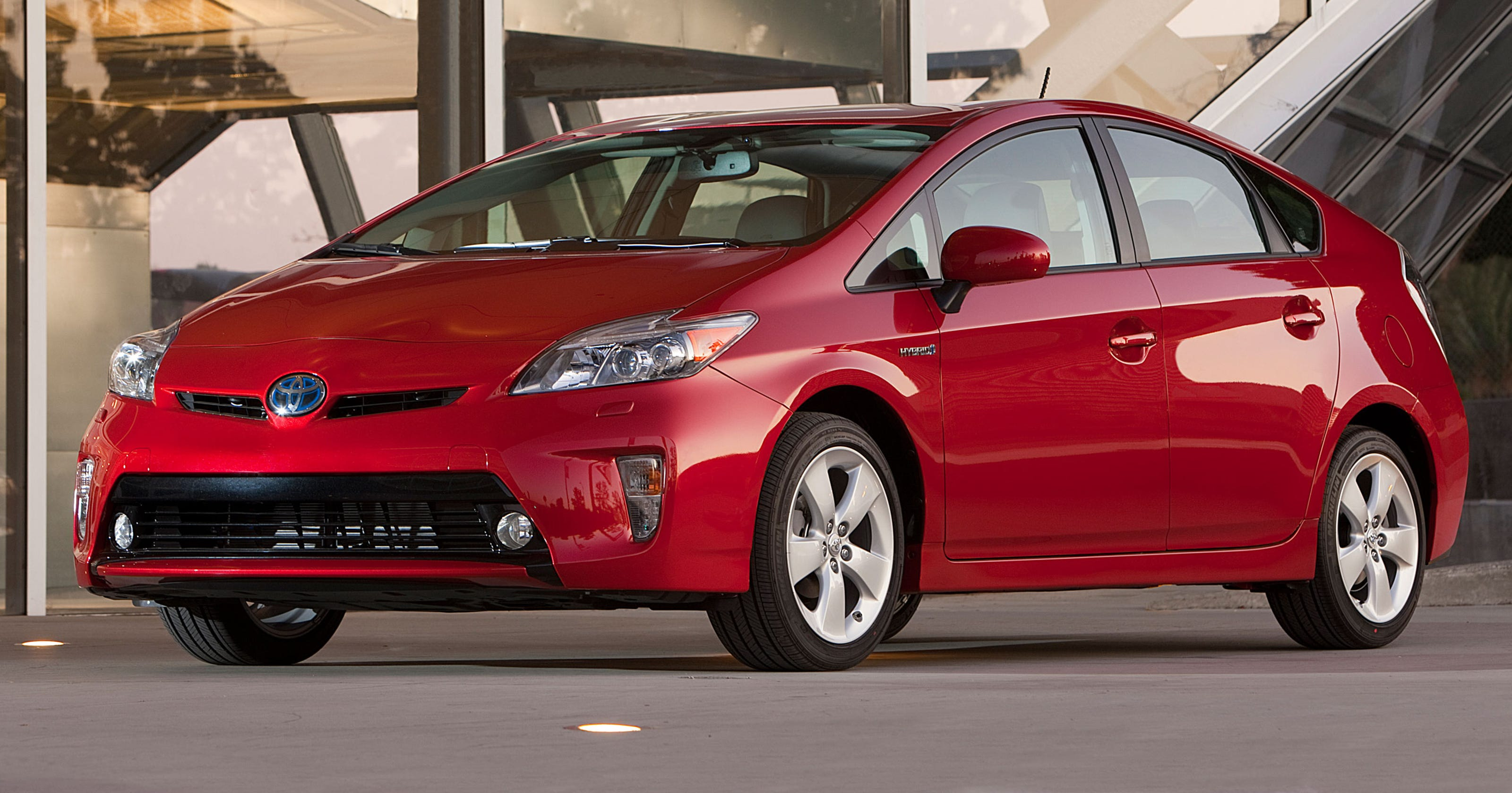 Toyota recalls 2 4M Prius hybrid cars that could stall