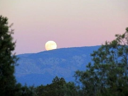 Photographer Matthew Midgett captured the super moon