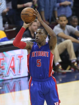 Detroit Pistons' Kentavious Caldwell-Pope scores against the Cleveland Cavaliers on Sunday, April 17, 2016 at Quicken Loans Arena in Cleveland.