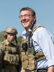 Secretary of Defense  Ashton Carter chats with special forces teams after observing a training exercise at Eglin Air Force on Thursday, November 17, 2016.
