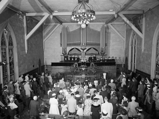 Worship service at First Presbyterian Montgomery 1956