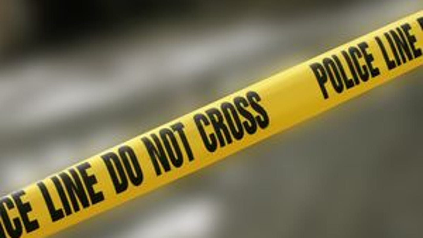 Woman shot in head by ex-boyfriend in Detroit