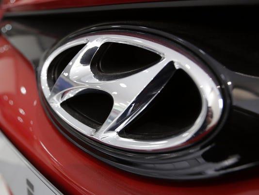 635701432435599240-hyundai-logo