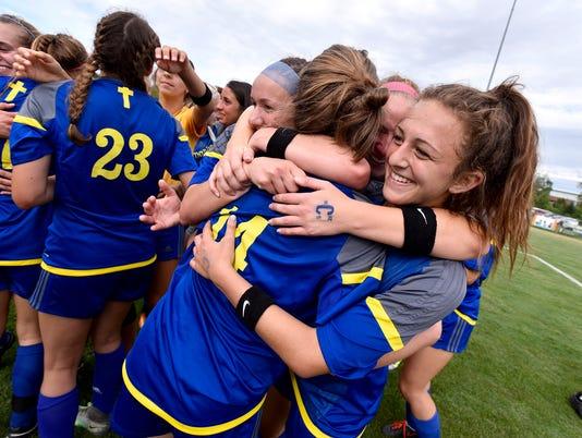 Marian soccer 4