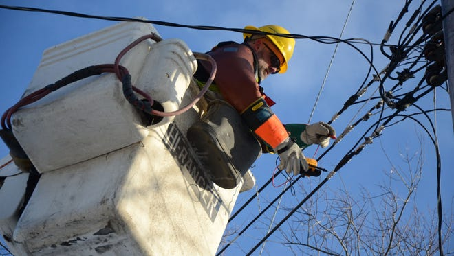 A Consumers Energy power outage Wednesday affected about 1,000 customers including an industrial client in Battle Creek.