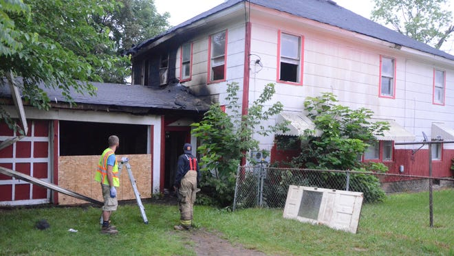 Fire on Saturday damaged an apartment house in Battle Creek.