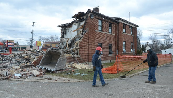 Workers expected the former Michigan State Police Battle Creek post will be leveled on Thursday, March 15, 2018.