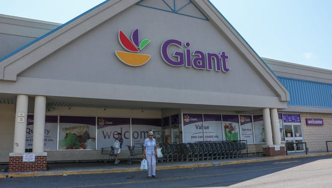 An exterior view of the Giant grocery store on South Salisbury Boulevard on Thursday, July 14, 2016.  After an acquisition by Albertsons, Giant will eventually become an Acme store.
