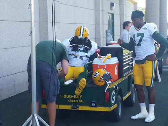 Green Bay Packers running back Eddie Lacy gets treatment