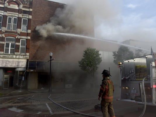 636074754736062562-main-street-fire-3.JPG