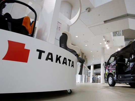 TakataDisplayToyotaTokyoShowroom AP JAPAN EARNS TAKATA F I JPN