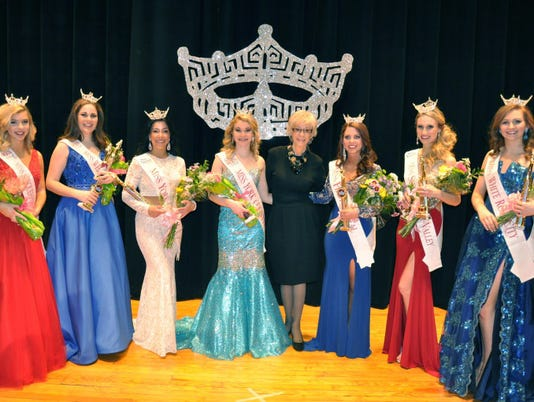 635899405242155690-YDR-SUB-020116-2016-Miss-York-County-Scholarship-Organization-Representatives.jpg