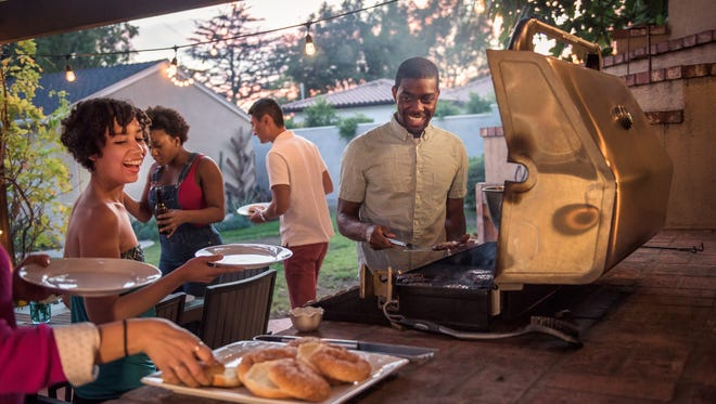To mark the Fourth of July, Laura Vetter, RDN, CSO, CSP, outpatient nutritionist at Saint Peter's University Hospital, shares her wisdom about delicious grilling and enjoyable, healthy meals outdoors.