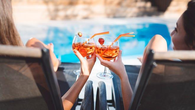 Pool bars make summer drinks even more refreshing.