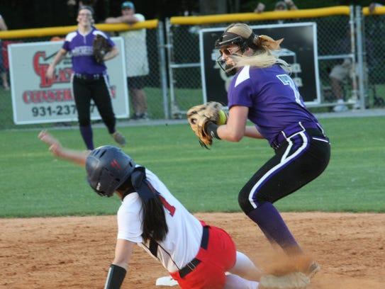 Clarksville High second baseman McKinleigh Guthrie