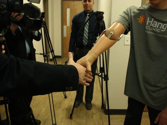 Sergiy Bilan demonstrates his ability to shake hands