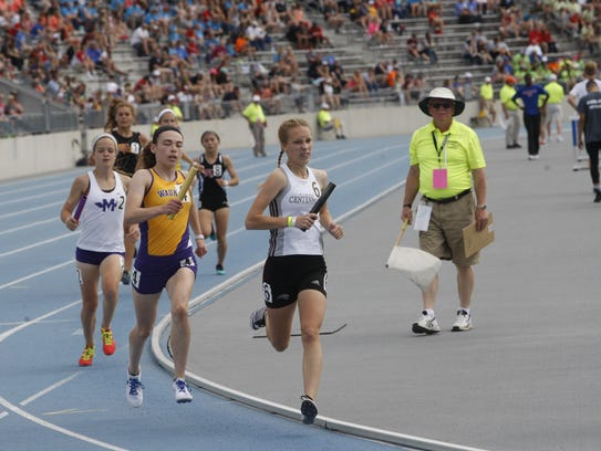 Megan Gray anchors Ankeny Centennial to a victory in