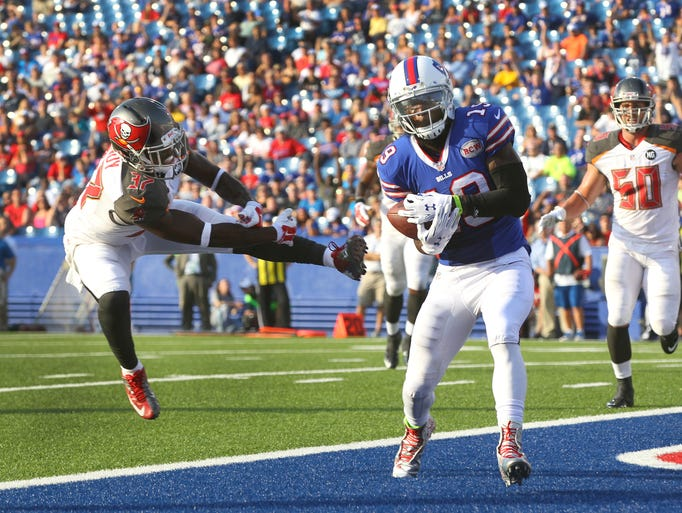 Bills wide receiver Mike Williams scores a touchdown on a pass from EJ Manuel in a 27-14 loss to Tampa Bay on Saturday at Ralph Wilson Stadium in Orchard Park.