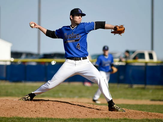 Stephen Decatur's Will Sass pitches during the 1st