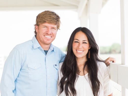 Fixer Upper Stars Chip And Joanna Gaines Buy Waco Texas Castle