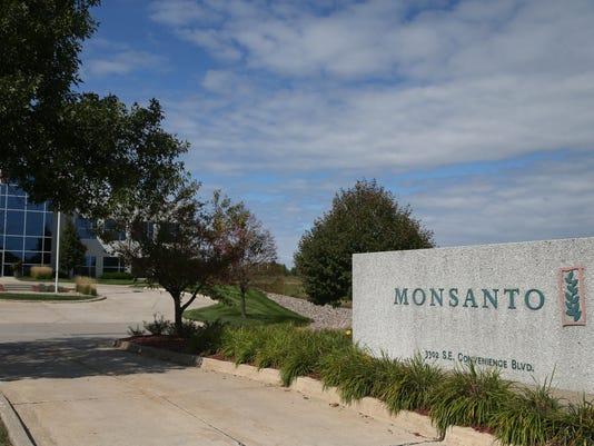 636618959140362938-Monsanto-KK-03.JPG