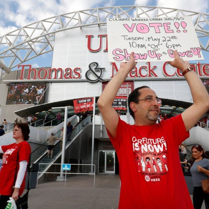Vegas casino workers OK strike; tens of thousands could walk off the job